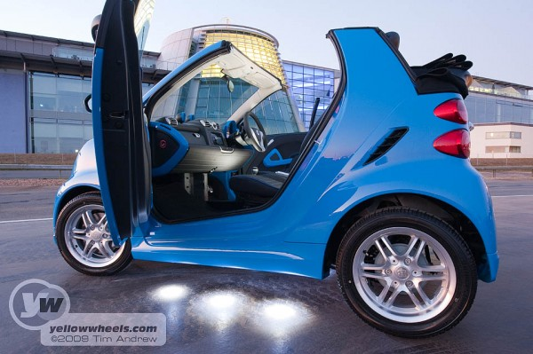 Brabus Smart - Campbell Blue with floor lighters